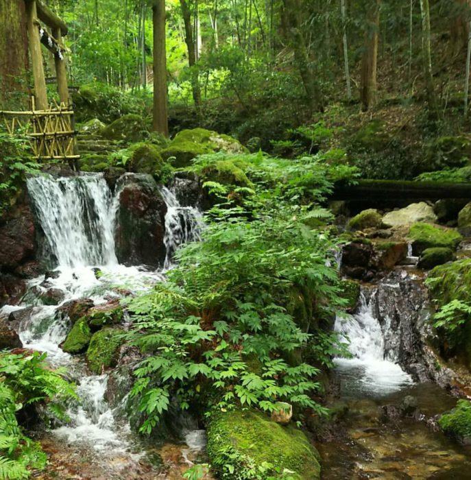 瓜割の滝(うりわりのたき)